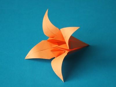 iris blumen origami kunst. Black Bedroom Furniture Sets. Home Design Ideas