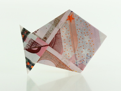 Origami Fisch aus einem Geldschein
