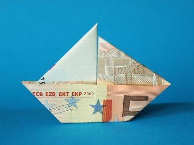 Segelboot  Geldscheine und Geldgeschenke  Origami-Kunst