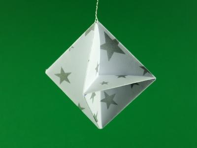 Weihnachtsdeko objekte origami kunst - Origami weihnachtsdeko ...